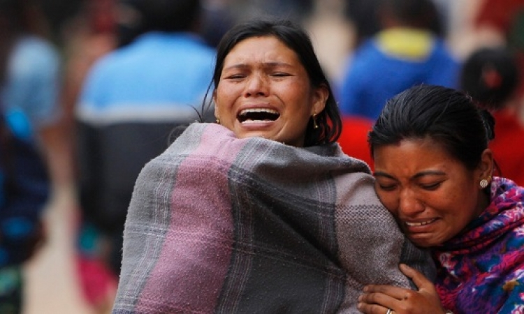 بالصور.. نيبال تحيى ذكرى ضحايا زلزالها بالبالونات