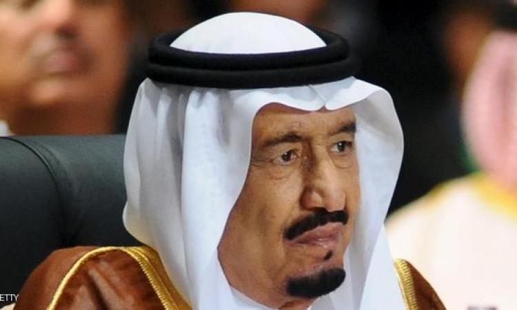 بالفيديو .. كيف يتعامل العاهل السعودي الملك سلمان مع أخيه الأكبر ؟!