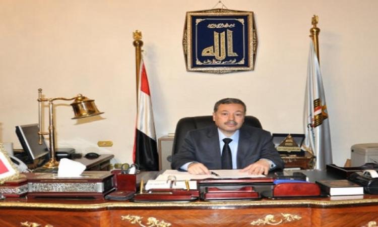 4 معلمين تحولوا للتحقيق بعد رفضوهم ترديد «تحيا مصر.. يحيا السيسي» في الطابور