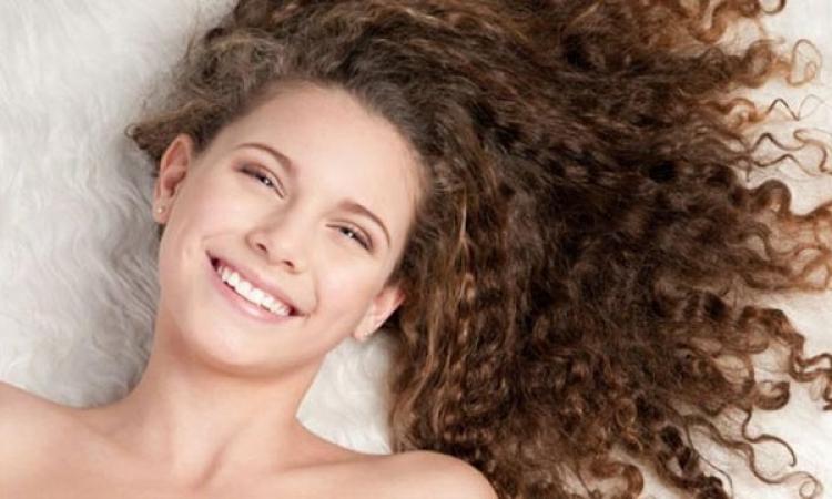 وصفة مميزة جدًا لمعالجة الشعر المجعد