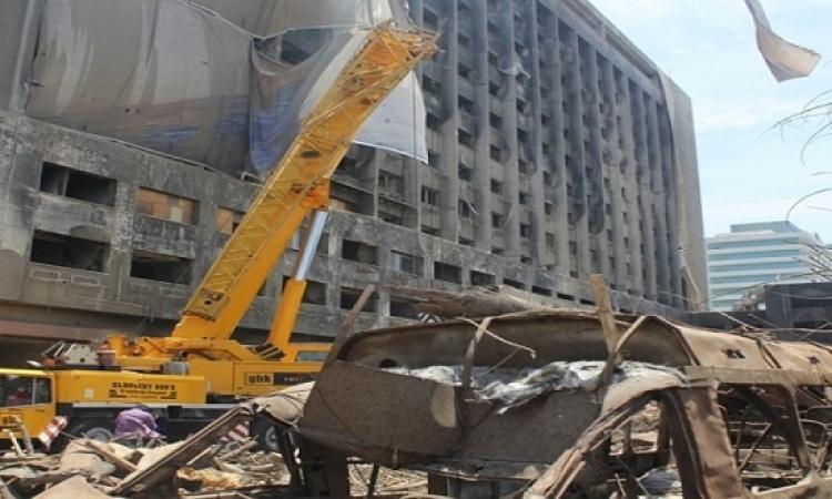 بدء أعمال هدم مبنى الحزب الوطنى المنحل على الكورنيش