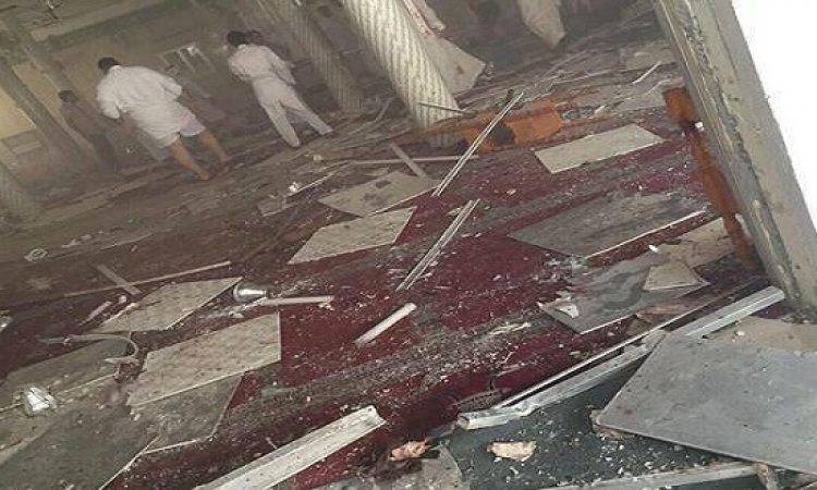 بالصور ..  أنفجار مسجد فى القطيف ومقتل وإصابة عدد من المصلين