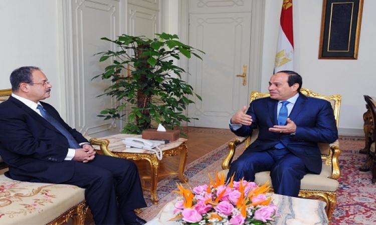 الرئيس يستعرض مع وزير الداخلية الحالة الأمنية