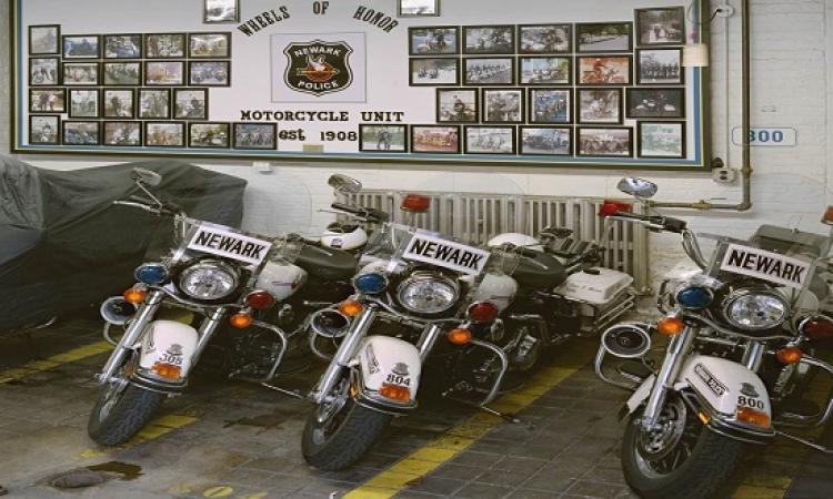 مصورأمريكى  يتخصص فى تصوير الشرطة