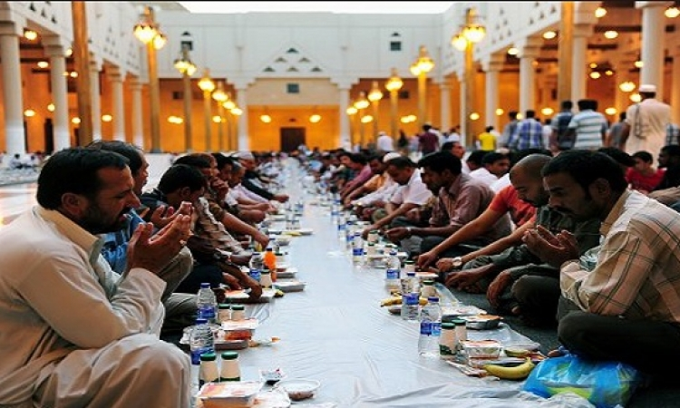 بالفيديو.. 10 نصائح لإفطار وسحور صحيين