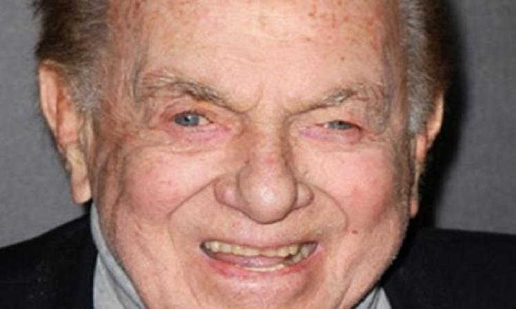 الكوميديا تودع أمريكا .. وفاة جاك كارتر عن عمر يناهز 93 عامًا