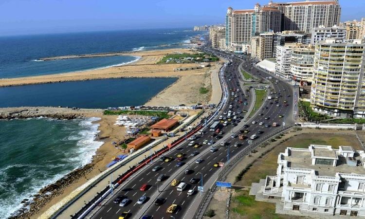 رغم المشاجرات وسوء التنظيم .. الإسكندرية تدخل جينيس بأطول مائدة !!