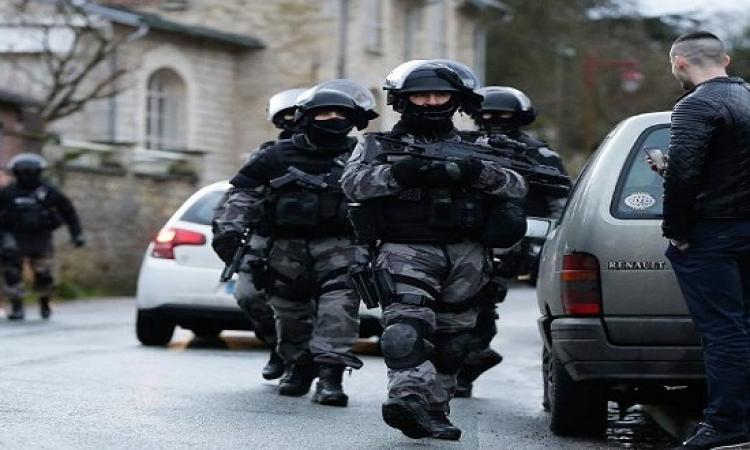 مقتل شرطي في باريس وداعش يعلن مسؤليته عن العملية