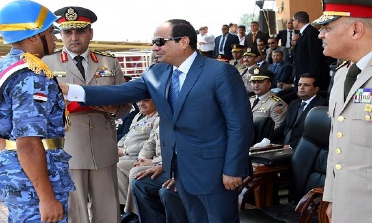 بالصور.. السيسى : القوات المسلحة تعتمد على ضباط الصف لبناء قوات حديثة