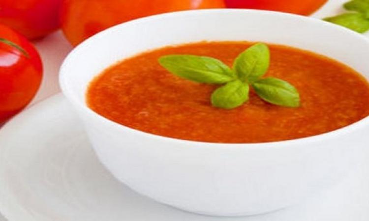 قدمى لأسرتك حساء الطماطم المميز بالعيد