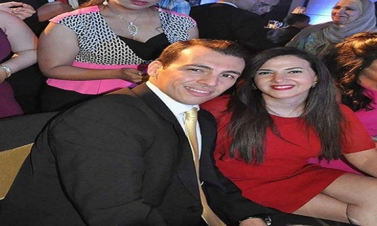 هل دنيا سمير غانم حامل بطفلها الثانى!!