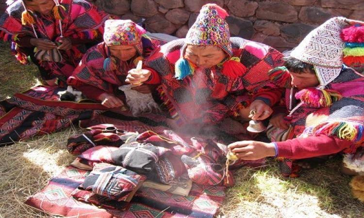 قربان الألهة فى نيبال .. طفل بـ 50روبية وباكو بسكويت !!