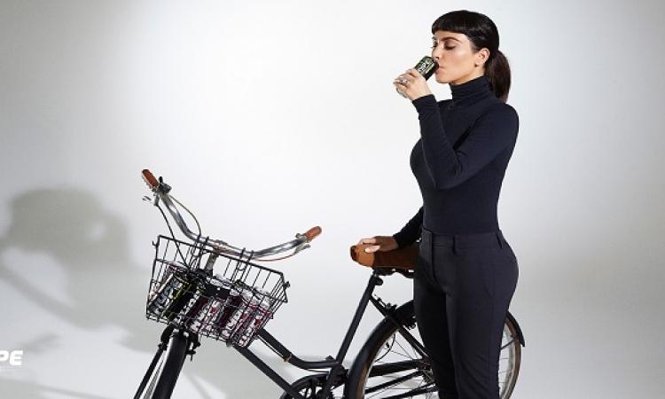 كيم كاردشيان تتألق فى إعلان مشروب طاقة .. وكمان بتورينا انها بتعرف تسوق عجل !!