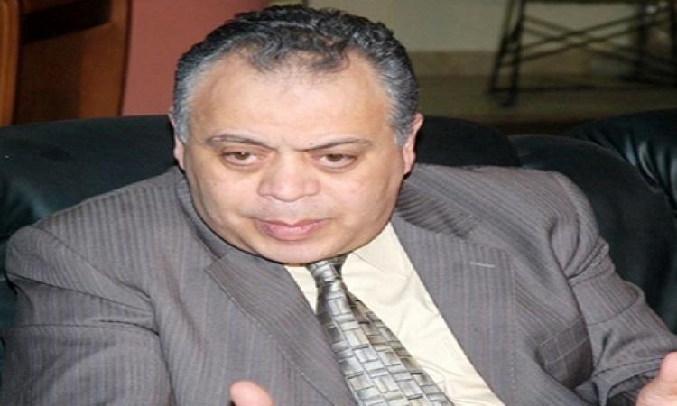 بالفيديو .. أشرف زكى : فيه مسلسلات مكانها .. بوليس الآداب !!