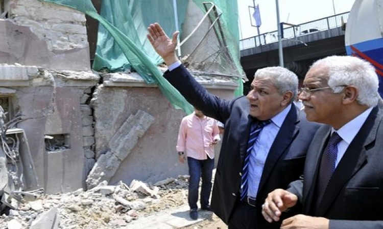 محلب لمحافظ القاهرة : الاولوية للنظافة وتقييم مستمر لرؤساء الأحياء
