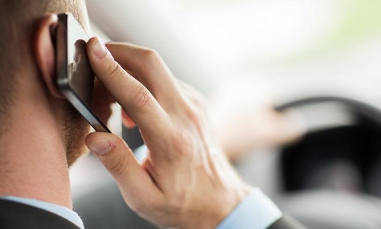 استخدام الموبايل لأكثر من 8 ساعات يوميا يسبب العجز الجنسي