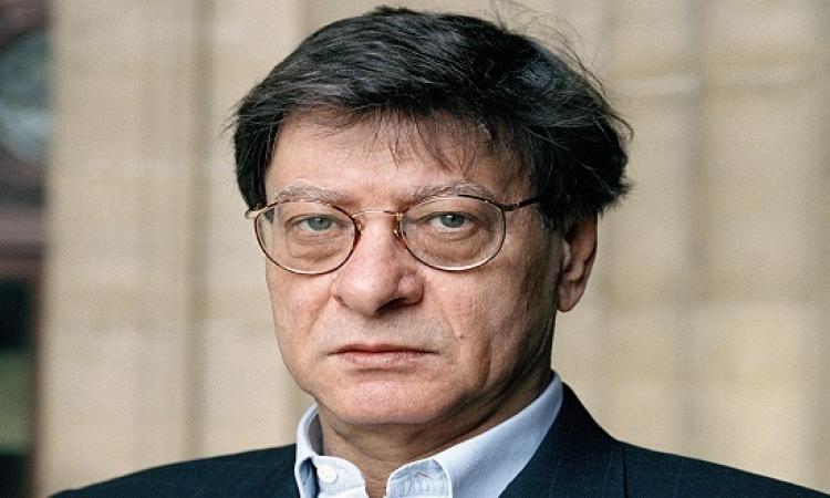 محمود درويش .. شاعر الشعراء .. المحمود دائما صاحب الدراويش !!