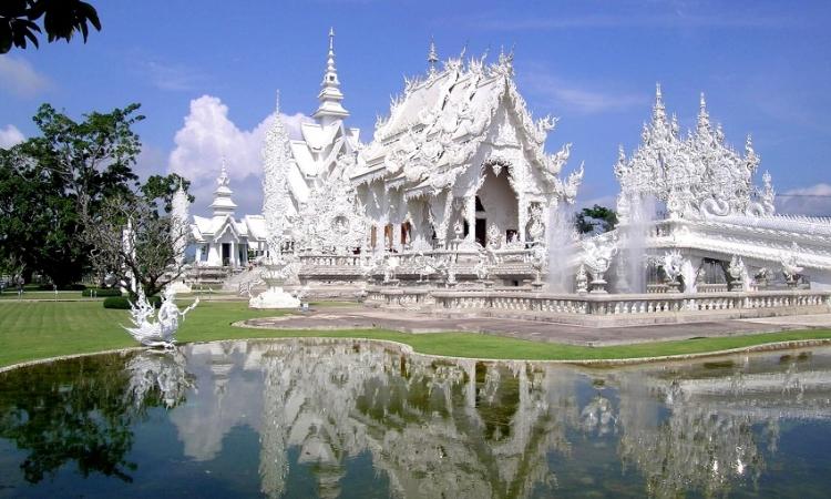 هذا المعبد الكمبودى الأكثر جذبًا للسياحة فى العالم