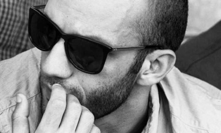 بالصور .. نجل مرتضى يهدد بمقاضاة مسرح مصر : #الزمالك_خط_احمر_يا_كومبارس !!