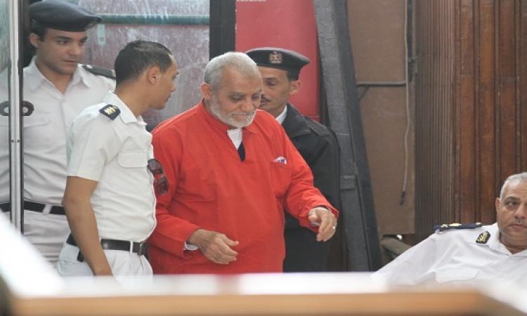استكمال إعادة محاكمة بديع وقيادات الاخوان فى أحداث مسجد الاستقامة