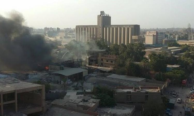 بالصور .. حريق هائل بمصنع للبلاستيك بمنطقة شبرا الخيمة