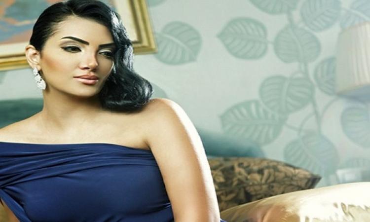 بالصور .. حورية فرغلى أثناء تتويجها ملكة جمال مصر .. من 13 سنة !!