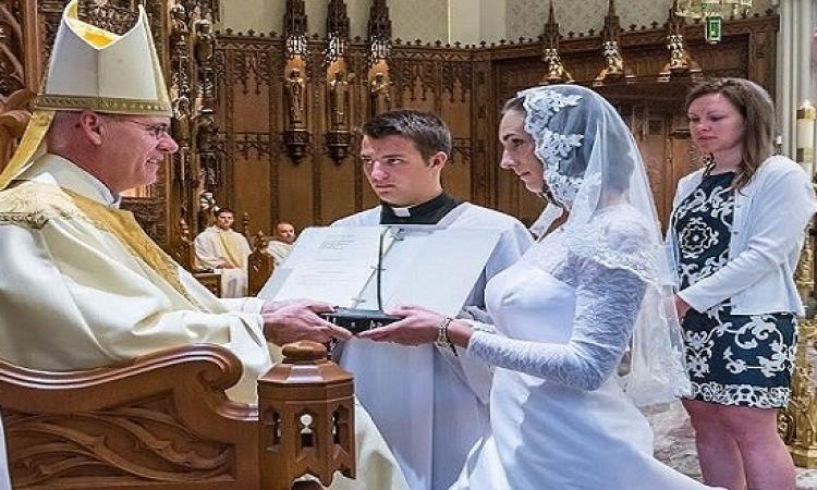 بالصور والفيديو.. حكاية جيسكا التى  تزوجت المسيح