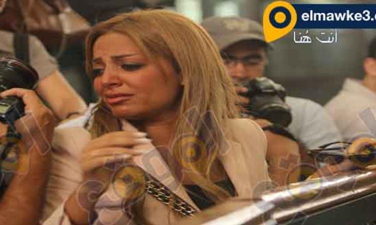 بالصور .. زوجة محمد فهمى بعد الحكم : كل اللى عايزينه العدالة !!