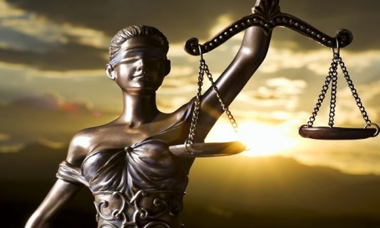 """بالكاريكاتير .. كيف يتعامل قادة العالم مع """"تيميس"""" رمز العدالة .. كل واحد من منظوره !!"""