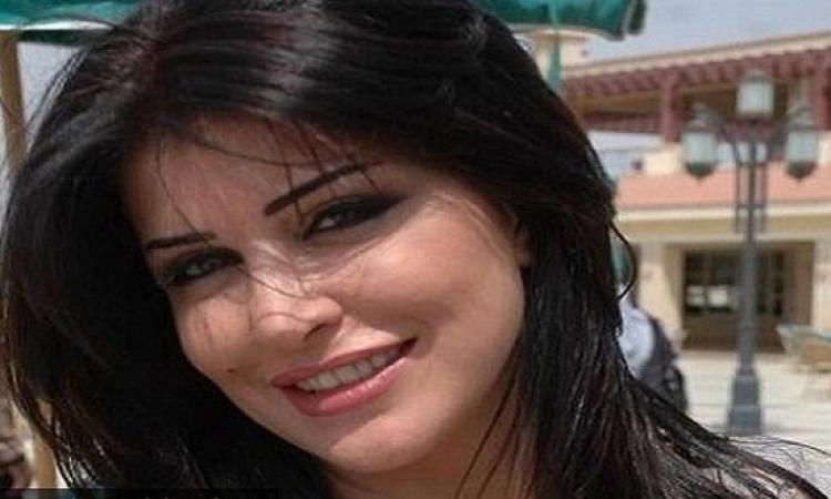 بالفيديو.. جومانا مراد تستعرض براعتها فى قيادة السيارات من لندن