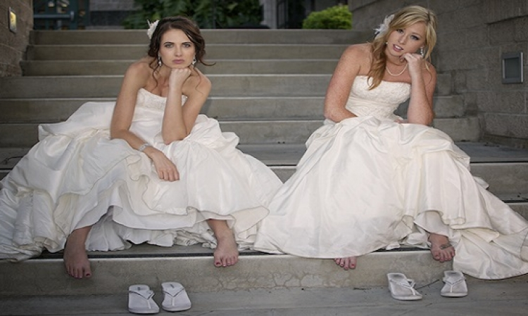 بالفيديو .. شاب يتزوج فتاتين فى حفل زفاف واحد .. ده ايه الجبروت ده!!