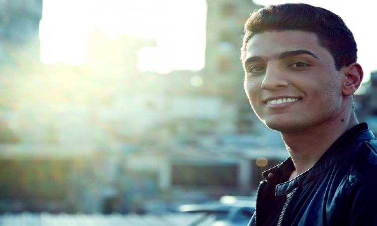 بالصور .. شاهد الإعلامية الفلسطينية التى خطبها محمد عساف .. بصراحة ذوقه حلو !!