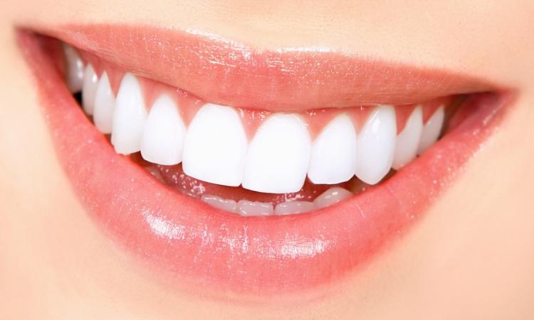 شيخوخة الأسنان.. أعراضها وطريقة علاجها