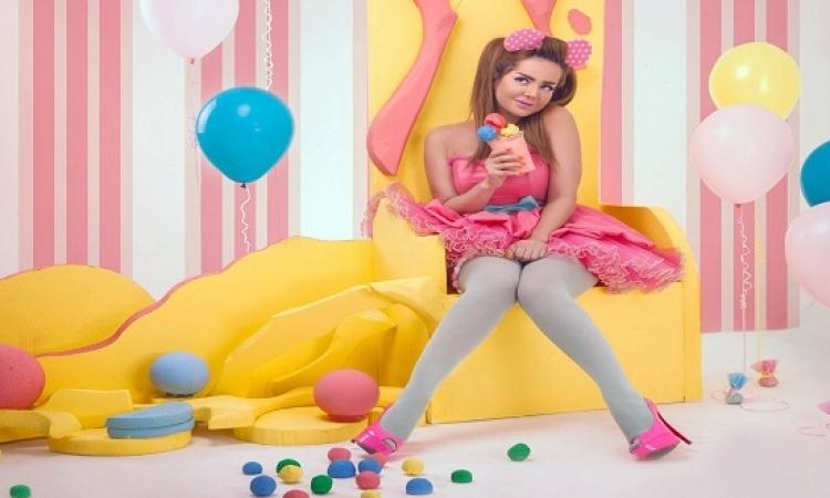 بالصور .. رانيا الملاح تعود للطفولة وتعشق الآيس كريم