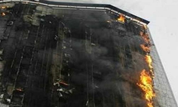 الدفاع المدنى السعودى يخلى فندق بمكة بعد اندلاع حريق هائل به