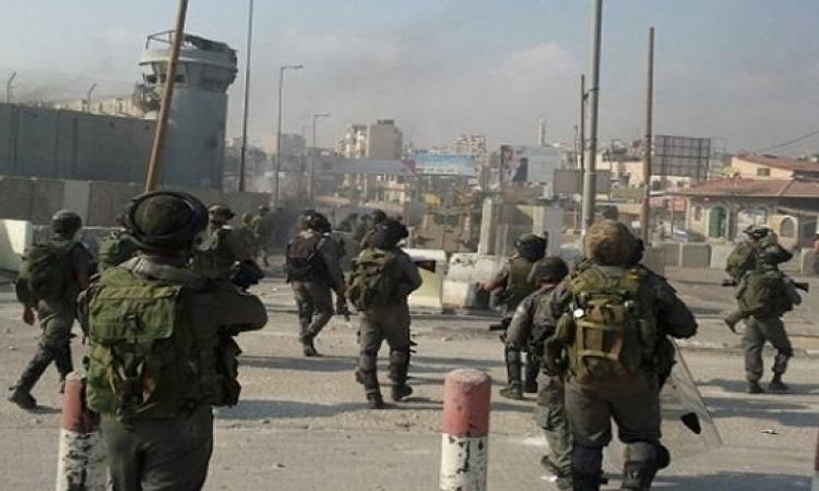 بالفيديو .. الجيش الإسرائيلى يفبرك عملية طعن من أجل إعدام فلسطينى