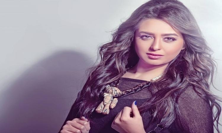 بالفيديو .. خطوبة هبة مجدى ومحمد محسن .. التمثيل قلب بجد !!