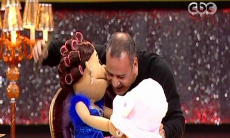 بالفيديو.. زواج أبلة فاهيتا والقرموطى.. ده بجد!