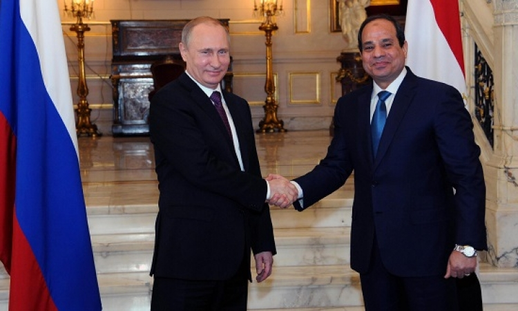السيسى يبحث مع بوتين هاتفياً الاوضاع فى سوريا وليبيا