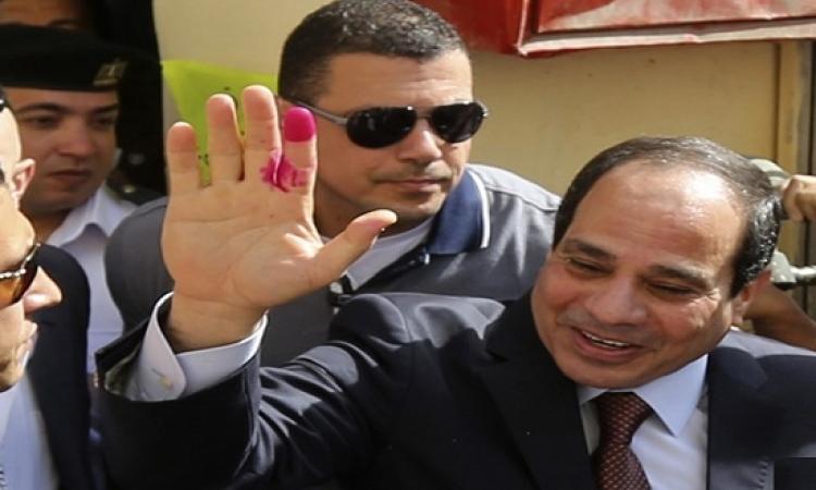 بالفيديو .. الرئيس السيسى يدلى بصوته فى الانتخابات البرلمانية
