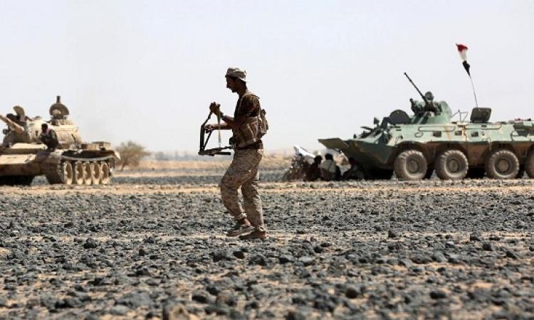 القوات اليمنية تسيطر على مواقع استراتيجية بتعز