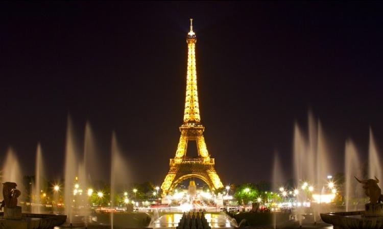 عمدة باريس تمنع سيارات البنزين وتستبدلها بالكهربائية والدراجات