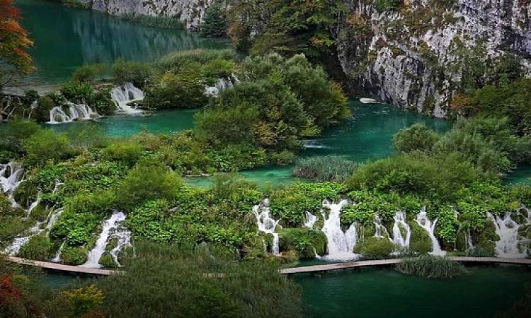 بحيرات بليتفيس .. جوهرة كرواتيا الثمينة واروع بحيرات العالم