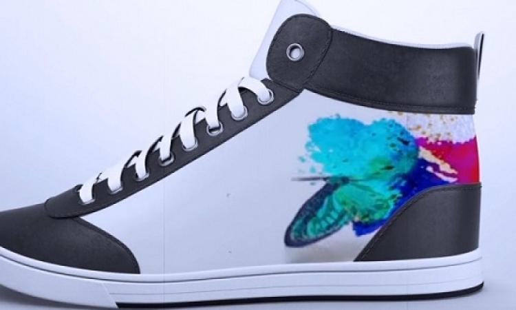 حذاء رياضى يغير لونه وتصميمه عبر تطبيق على هاتفك الذكى