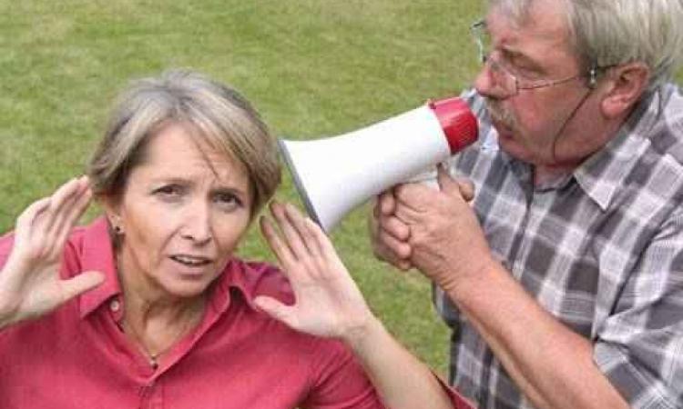 حكاية الزوجين وقوة السمع : المشكلة قد تكون عندك انت !!