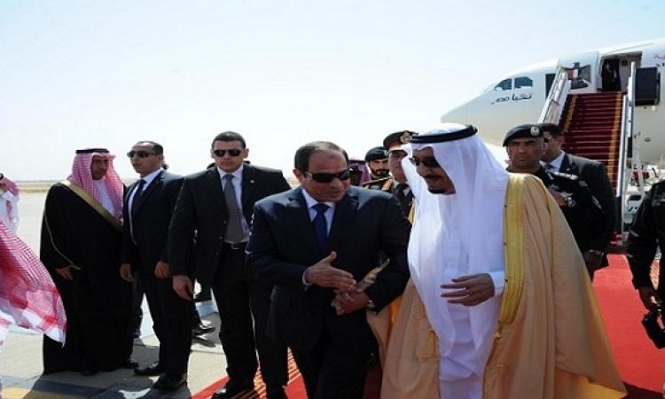 السيسى يصل الرياض لحضور القمة العربية اللاتينية