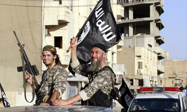 بالفيديو .. داعش يتوعد واشنطن بهجوم قريب .. ويهدد : لن تعرفوا الأمان