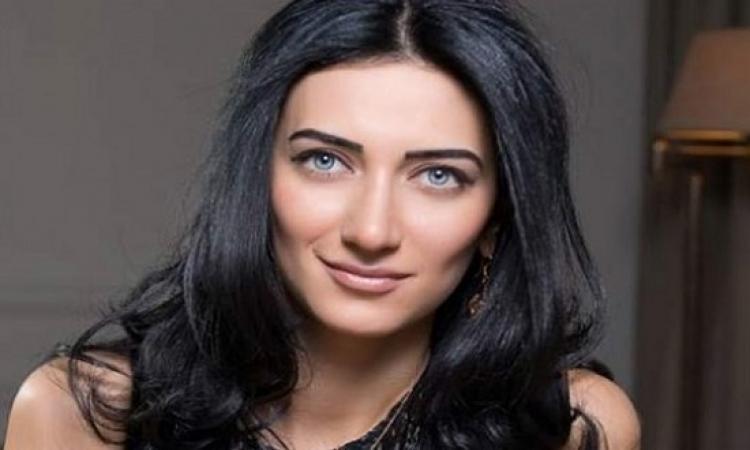 بالصور .. أصغر وأجمل وزيرة عدل فى العالم وشبه صافيناز كمان!!