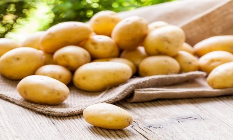 البطاطس المسلوقة تكبح خطر السرطان .. اديها بيوريه !!