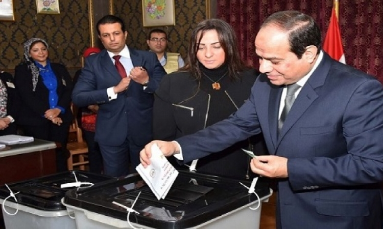 السيسى يدلى بصوته فى جولة الإعادة للانتخابات البرلمانية